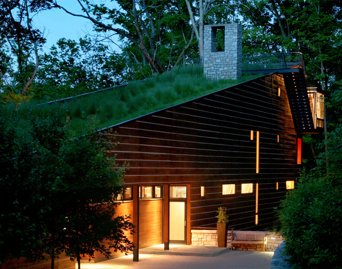 Walnut Woods Residence. Photo courtesy of Senhauser Architects, Credit: Eric Williams, Scott Hisey http://www.senhauserarchitects.com/NewConstruction.html